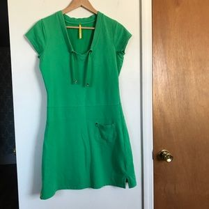 Lolë casual Kelly green dress comfy